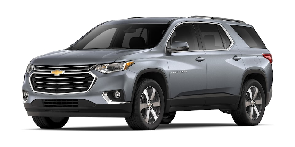 Chevrolet Traverse 2020, camioneta familiar en color gris grafito metálico