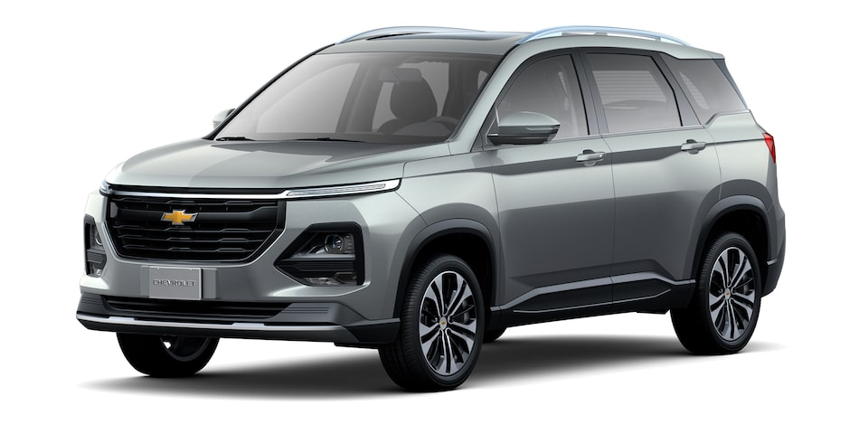 Exterior de Chevrolet Captiva 2022 en color plata